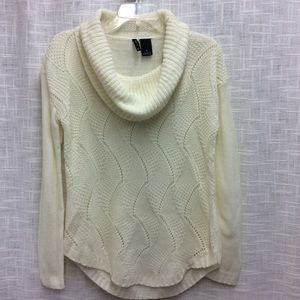 New Directions cream colored Sweater Size S